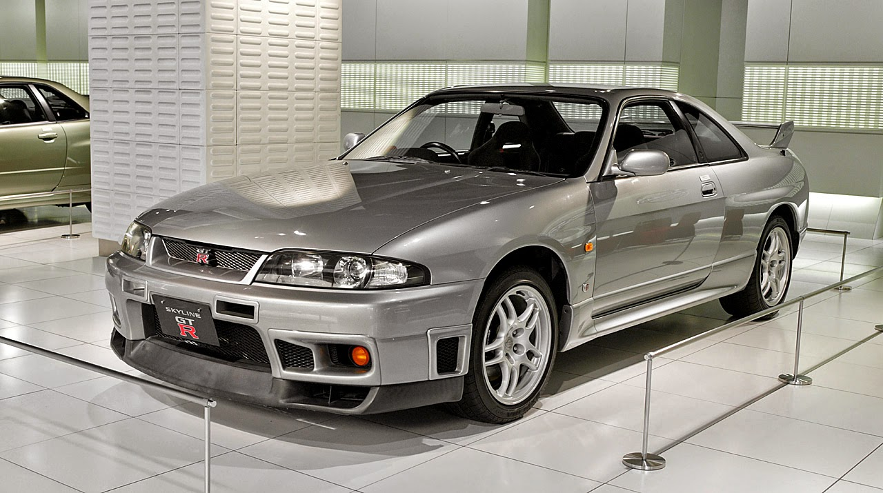 one man 39 s lonely adventures in his r33 skyline gt r how the r33 gt r improved upon the r32 gt r. Black Bedroom Furniture Sets. Home Design Ideas