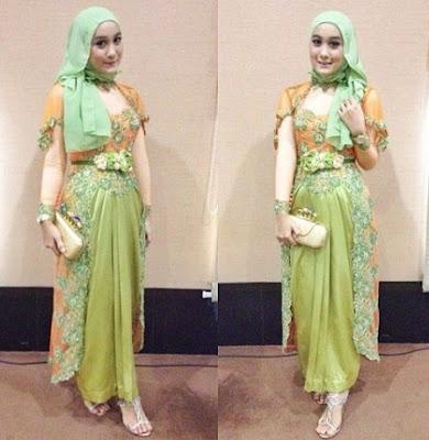 Desain model kebaya muslim brokat modern pesta terbaru untuk perempuan tampil syar 30+ Desain Model Baju Kebaya Muslim Brokat Modern Pesta Terbaru 2018, Syar'i