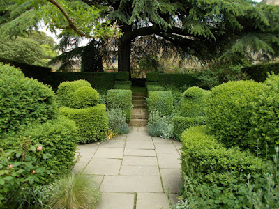 Tranquil green space Inspiring ideas Hidcote Green Fingered Blog
