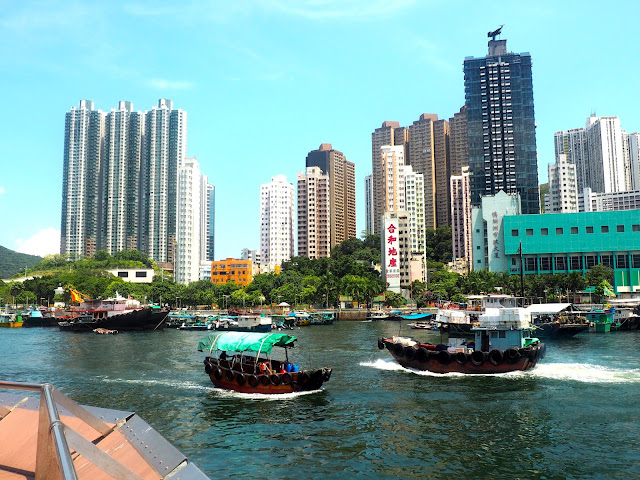 Boats in the harbour of Aberdeen, Hong Kong