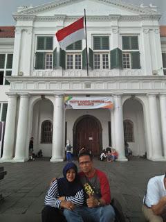 Surianto dan istri di Kota Tua Jakarta