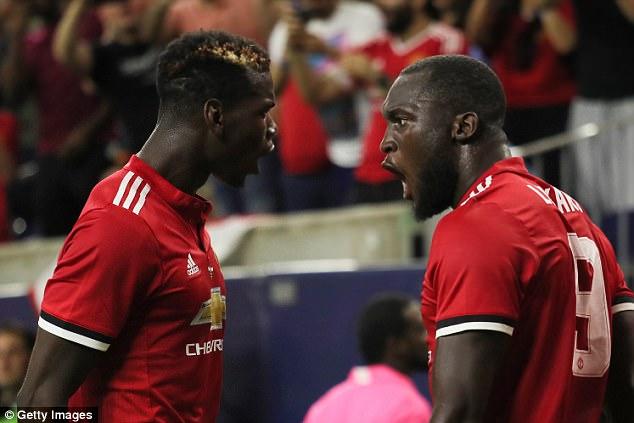 Pogba thuyết phục Lukaku sang M.U trong bữa ăn tối
