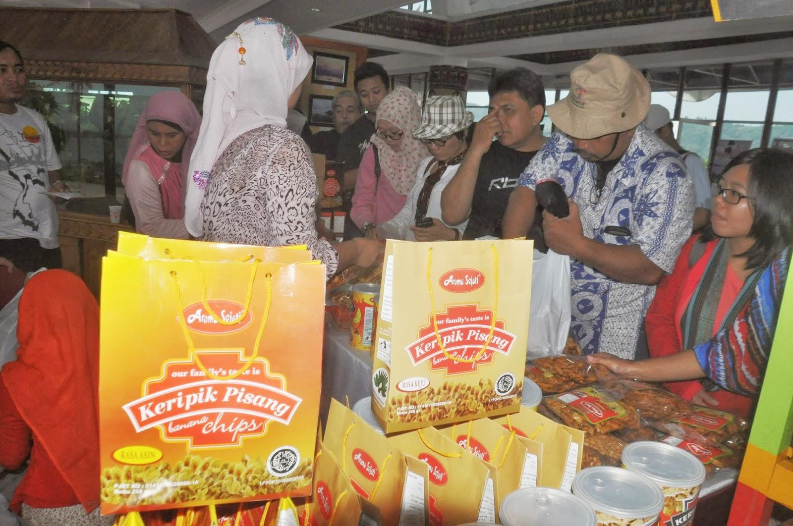 travelplusindonesia  Dari Lampung Jangan Lupa Borong Keripik Pisang ... 507d4484ac