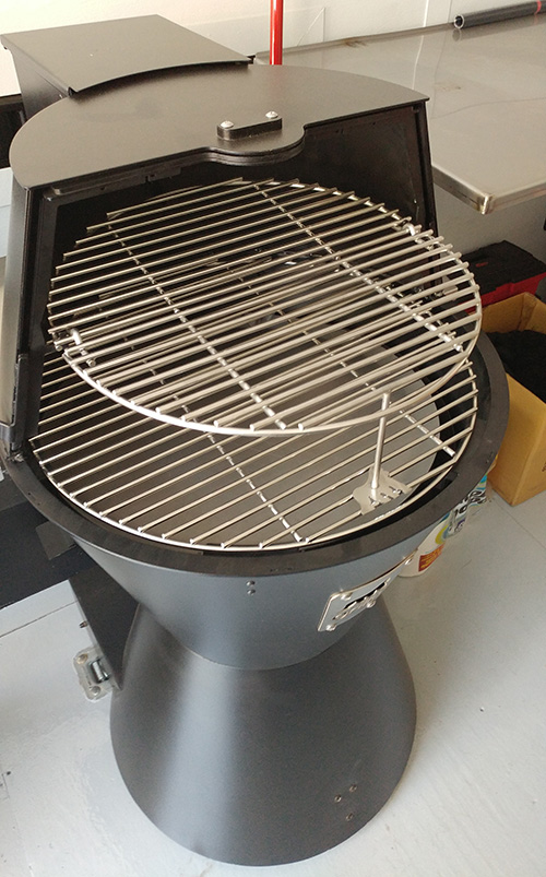 Grilla Grills pellet cooker with the extended shelf - is a real BBQ brisket smoker.
