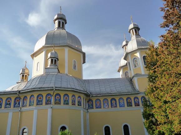 Банчены. Свято-Вознесенский монастырь. Свято-Вознесенская церковь