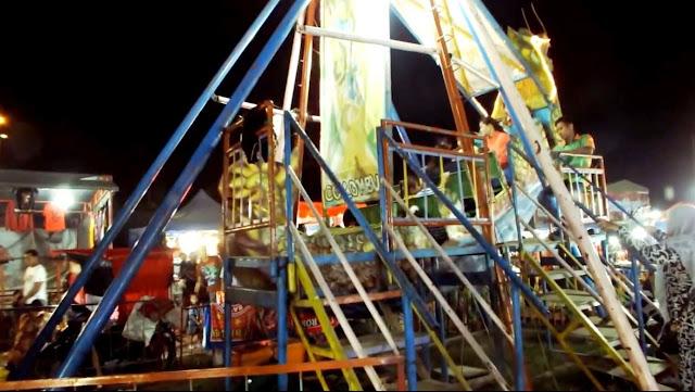 permainan perahu colombus di pasar malam