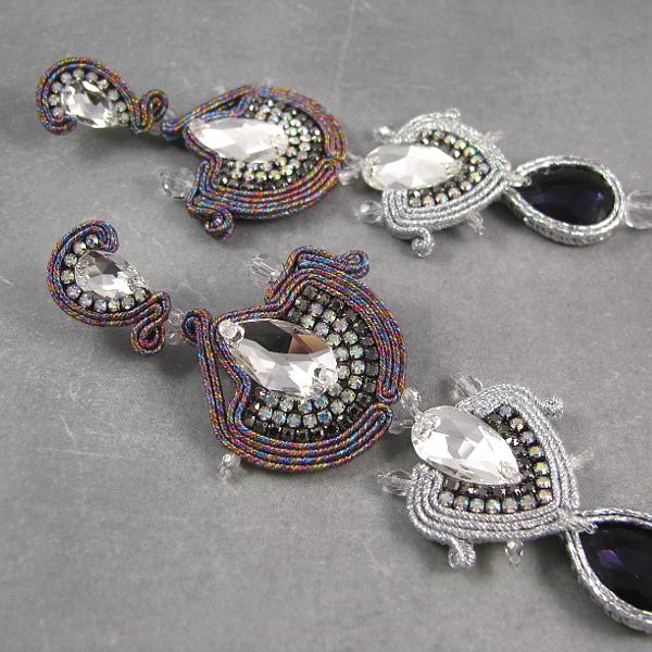 Kolczyki sutasz w stylu azteckim.