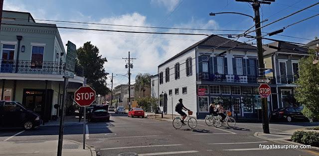 Rua do bairro histórico do Faubourg Marigny, em Nova Orleans