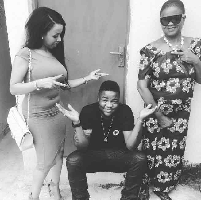 Skales shows off his lookalike mum and pretty sister