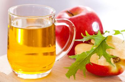 Cuka Sari Apel Untuk Cara alami Mengobati Tumit Pecah-Pecah