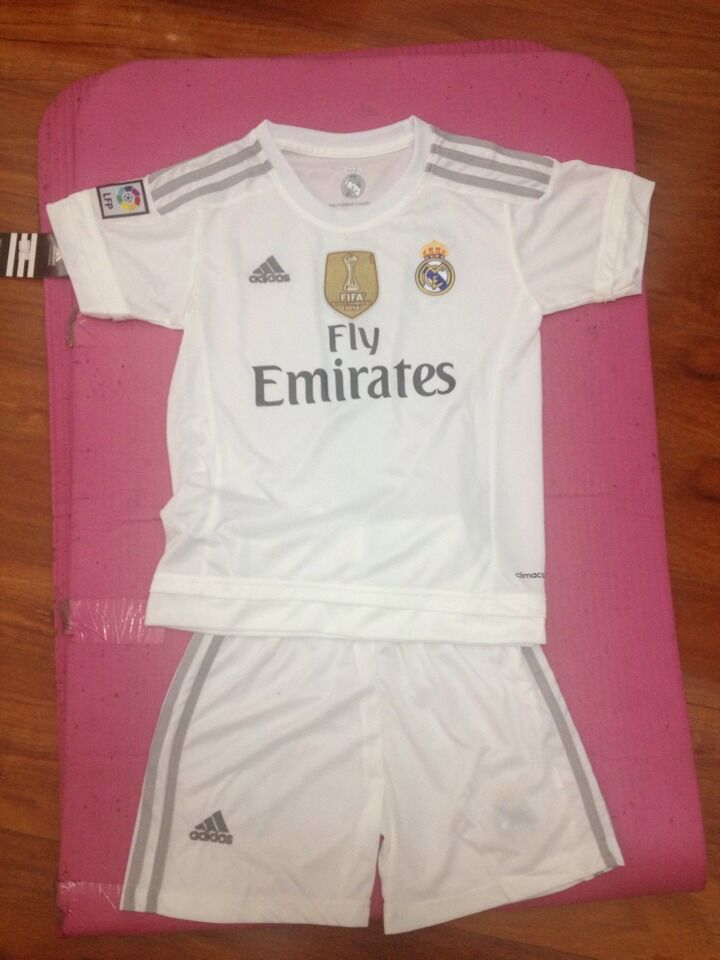 vogue castle : Wholesale thailand aaa soccer jersey from China