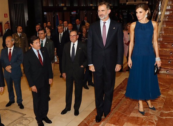 Queen Letizia Carolina Herrera top and skirt at Princess of Asturias Awards concert. white gold diamond earring