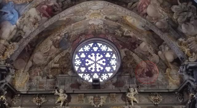 Los dos autores de los frescos, Palomino y Vidal (en el círculo), se retrataron junto a San Lucas