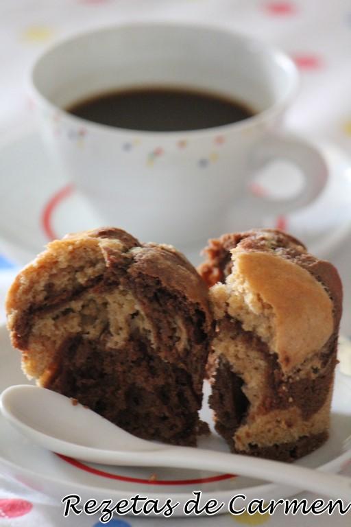 Muffins marmoleados de espelta