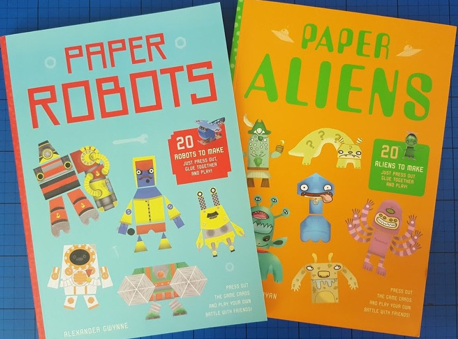 The Brick Castle: Paper Aliens and Paper Robots - awesome