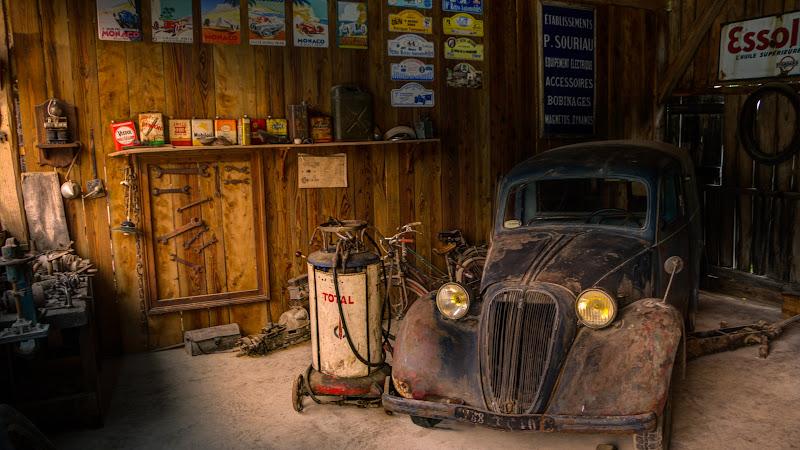 Old Car in Old Repair Shop HD