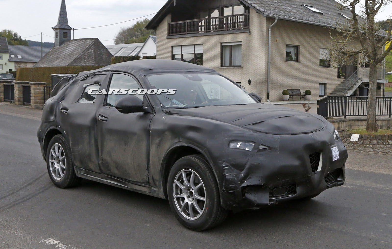 Alfa Romeo Stelvio Suv Is Fca S Italian Flavored Answer To