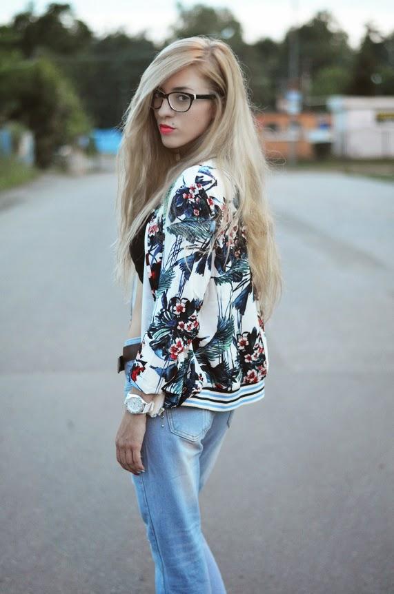 http://www.sheinside.com/White-Long-Sleeve-Zipper-Floral-Jacket-p-166851-cat-1776.html