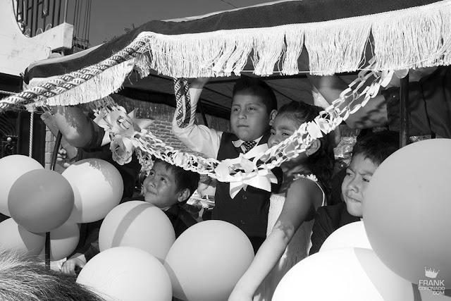 niños en carnaval de san amrtin tilcajete oaxaca