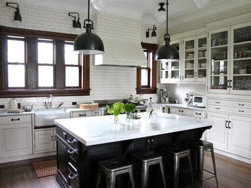 White-Subway-Tile-Kitchen.jpg