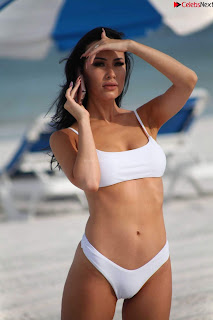 Lisa Opie  in sizzling bikini lovely  sizzling CELEBRITY.CO Exclusive Celebrity Pics 023