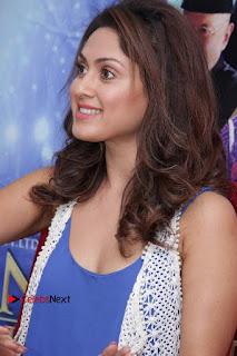 Bollywood Actress Manjari Phadnis Stills in Ripped Jeans at Film Jeena Isi Ka Naam Hai Interview  0005.jpg