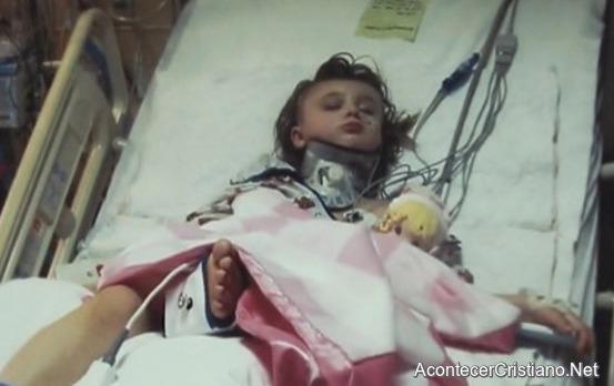Recuperación de niña con traumatismo cerebral en hospital