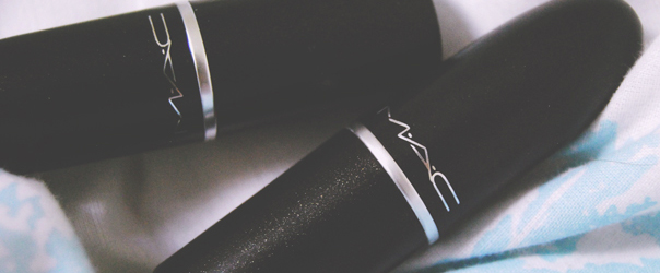Review MAC lipstick Ruby Woo Lady Bug