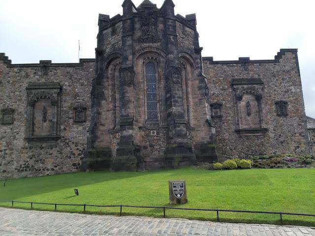 Mengunjungi Edinburgh Castle