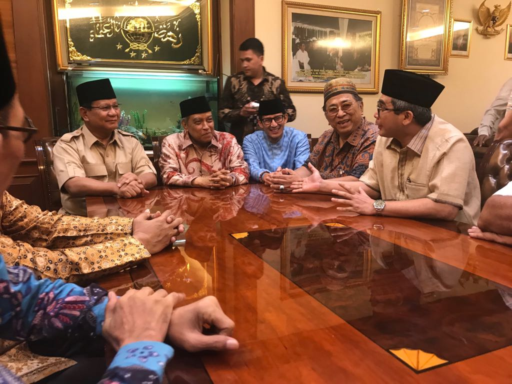 Ekspresi Said Aqil Sirodj Saat Dikunjungi Prabowo-Sandi