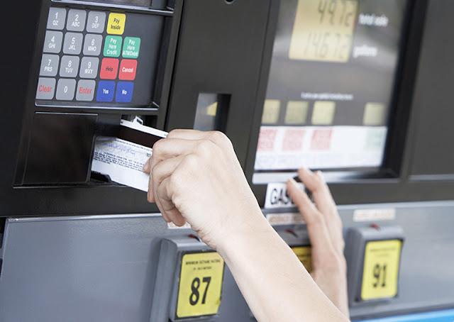 Formas de pagamento nos postos de gasolina da Califórnia e EUA