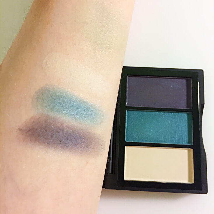 e.l.f. Sculpting Silk Eyeshadow Fierce Blue swatch