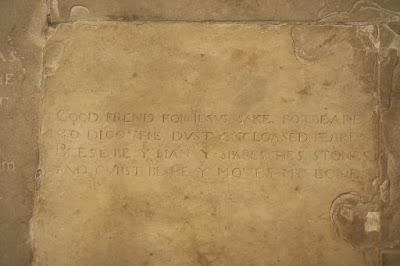 Το κρανίο του Ουίλλιαμ Σαίξπηρ εκλάπη (;) από τον τάφο του