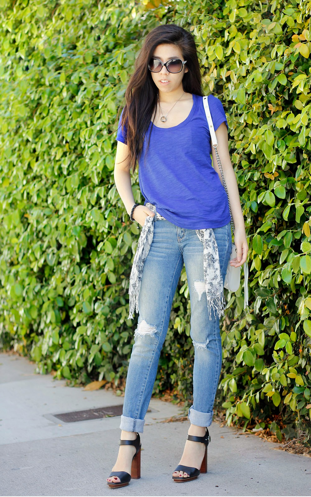 Casual Outfit _ Banana Republic Slub Scoop Neck Tee_Slouchy Oversized Tee Shirt _ Adrienne Nguyen _ Invictus