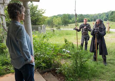 Carol Peletier (Melissa McBride), Daniel (Daniel Newman) ed Ezekiel (Khary Payton) nell'episodio 10