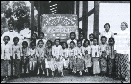 Pendidikan Pada Zaman Hindia Belanda (VOC)