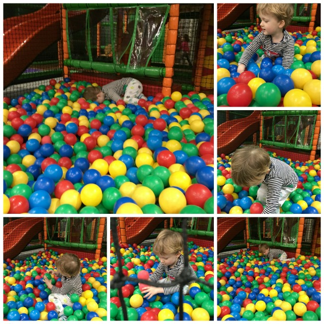 our-weekly-journal-6-feb-2017-toddler-playing-in-ball-pit-at-Mambo-soft-play