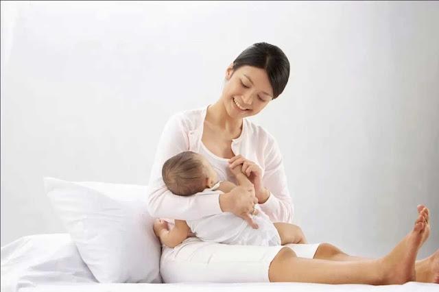 Manfaat menyusui ASI bagi ibu dan bayi