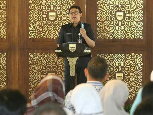 Yossi Irianto dan 268 mahasiswa Unpad asal Bandung