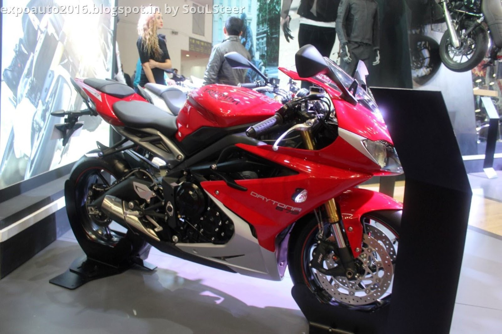 auto expo 2016 by soulsteer triumph daytona 675 abs speed triple abs daytona 675 r and street. Black Bedroom Furniture Sets. Home Design Ideas