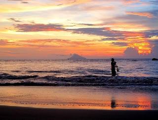 http://www.teluklove.com/2017/03/destinasti-objek-wisata-pantai-pasir.html