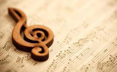 Sejarah Musik Klasik  Musik pada hakikatnya adalah bagian dari seni yang menggunakan bunyi sebagai media penciptaannya. Walaupun dari waktu ke    waktu beraneka ragam bunyi, seperti klakson maupun mesin sepeda motor dan mobil, handphone, radio, televisi, tape recorder, dan sebagainya senantiasa mengerumuni kita, tidak semuanya dapat dianggap sebagai musik karena sebuah karya musik harus memenuhi syarat-syarat tertentu. Syarat-syarat tersebut merupakan suatu sistem yang ditopang oleh berbagai komponen seperti melodi, harmoni, ritme,timbre (warna suara), tempo, dinamika, dan bentuk. Sebelum lebih jauh membahas syarat-syarat tersebut berikut aspek-aspek lain yang terkait dengannya seperti sejarah musik, pencipta musik, karya-karya musik, dan berbagai formasi pertunjukan