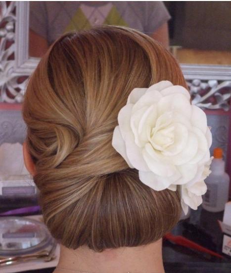 Classic Chignon Wedding Hairstyles: Smart And Chic Bridal Beauty Blog: The Classic & Modern