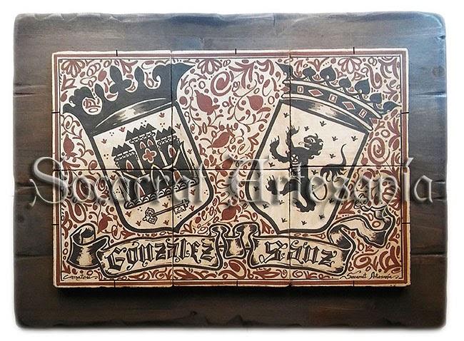 Mural heráldico al estilo socarrat realizado con 6 socarrats de 15x15, con los apellidos González-Sanz y sobre tabla de madera envejecida de forma manual. Camateu. Soc-Art. Socarrat Artesanía