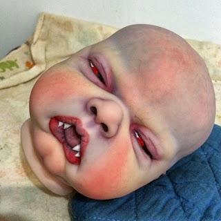 Bayi Mirip Vampir, Ibu Ini Berniat Menjualnya