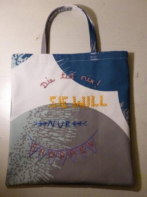 Einkaufstasche Einkaufsbeutel DIY selbstgenäht nähen sticken bestickt die tut nix sie will nur shoppen geschenkidee
