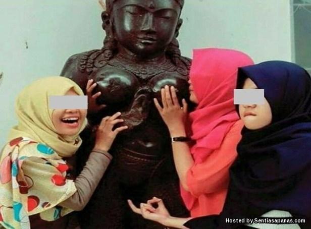 Sensasiaksi Lucah  Gadis Bertudung Dikecam Netizen