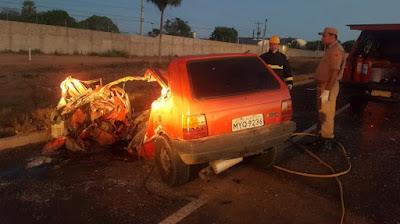 MAIS UM ACIDENTE: Carro bate de frente em carreta e motorista morre na BR-304, no RN