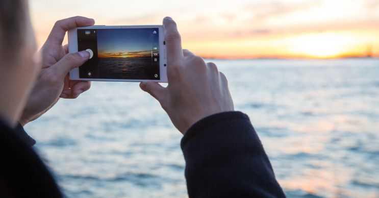 Telefonla fotoğraf çekmek çoğu zaman istenen sonucu vermeyebilir, bu durumda lensten şüphelenilmelidir.