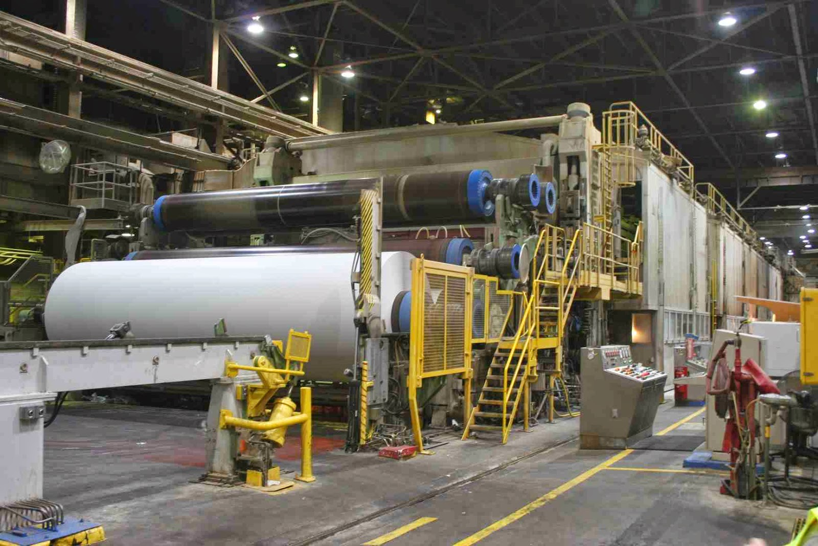 southern pulp and paper The center tests and validates new process and product concepts for industries in a variety of key market sectors including: pulp and paper, chemicals, non-woven materials, and the emerging biomass-to-energy industry.